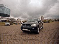 Mercedes ML 350D, black